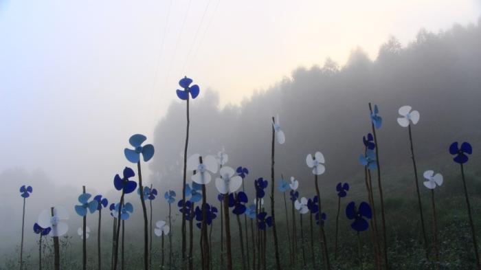 COLETIVOmonográfico. Ventiladores-Cataventos: Homenagem ao Ornamento Degenerado. Sítio Força Verde, 2013