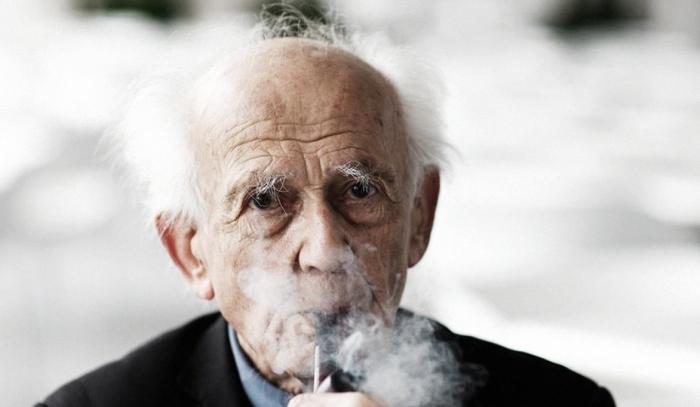 Imagem de capa. Zygmunt Bauman. Fotografia. Modernidade Líquida